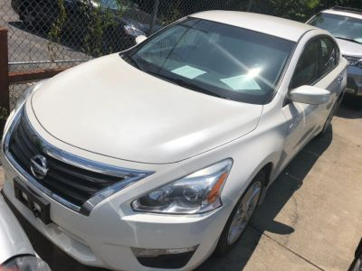 2014 Nissan Altima 2.5 (Pearl White)