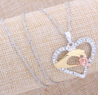 A mother s heart pendant