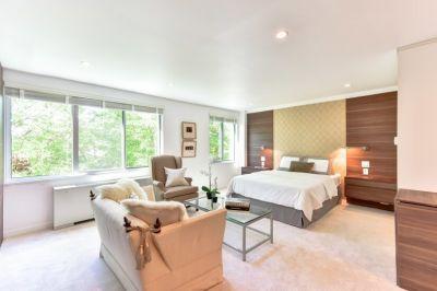 $2200 studio in Arlington