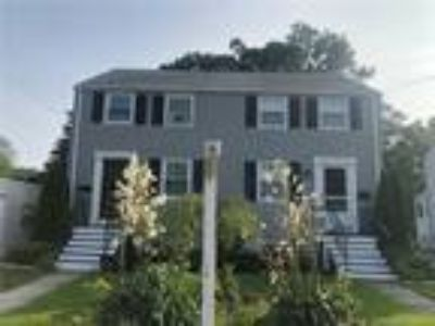 Fairfield Four BR Two BA, Buy the lifestyle. Walk ro town train and