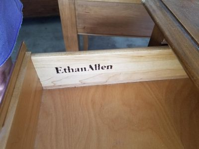 Ethan Allen end table/night stand