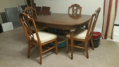Traditional Solid Wood Dining Table and Chairs