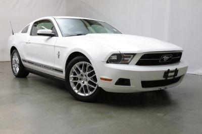 2012 Ford Mustang V6 Premium (PERFORMANCE WHITE)