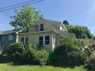 2 Bed 1.5 Bath Foreclosure Property in Fairhaven, MA 02719 - Akin St