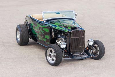1932 Buick Verano Convenience Group (Black w/ Green Flames)