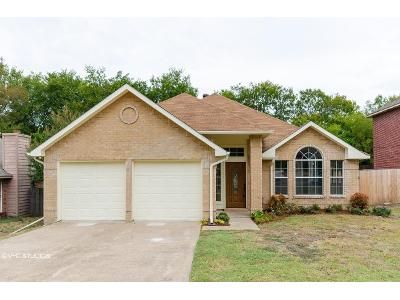 3 Bed 2 Bath Foreclosure Property in Cedar Hill, TX 75104 - Clover Hill Ln