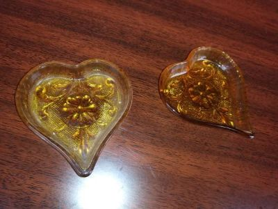 Vintage Tiara Amber HEART Shaped Glass Trinket Ring Candy Nut