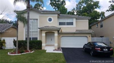 Beautiful spacious 4 Bedroom 2.5 Bathroom home.
