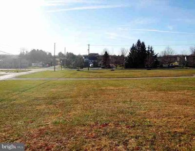 10 N Brick Ln Elverson, 1+ AC building lot along highly