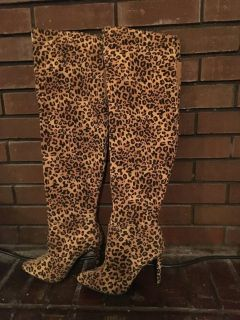 Leopard print over the knee zip up stilettos boots sz7.5