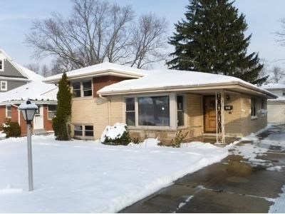 3 Bed 2 Bath Foreclosure Property in Park Ridge, IL 60068 - Florence Dr
