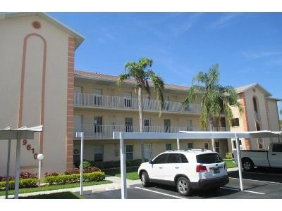 2 Bed 2 Bath Foreclosure Property in Naples, FL 34109 - Victoria Ln # D204