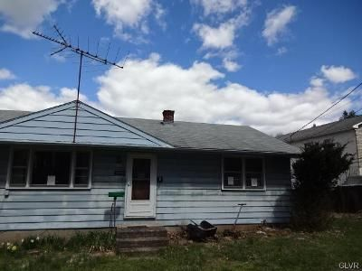 3 Bed 1 Bath Foreclosure Property in Hellertown, PA 18055 - Apple St