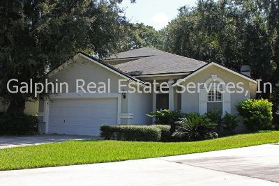 Gorgeous 4/3 with spacious open floor plan just a couple of blocks from the beach!
