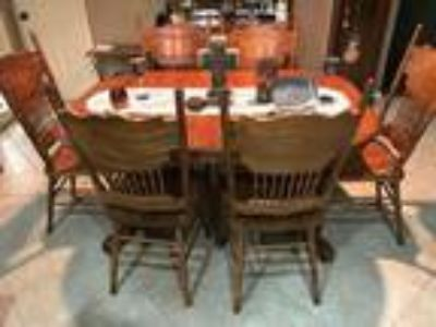 Oak Dining Table/Chairs/Barstools/Hutch