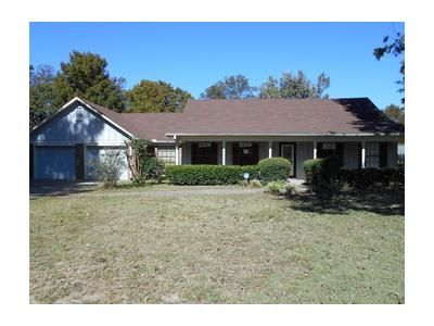 3 Bed 2 Bath Foreclosure Property in Greenville, MS 38701 - Melanie Cv