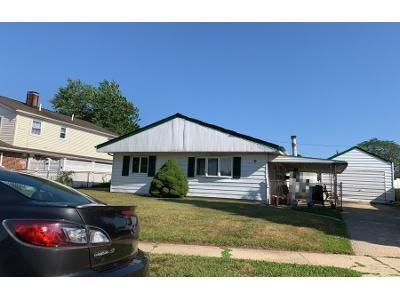 1.0 Bath Preforeclosure Property in East Meadow, NY 11554 - Woods Ave