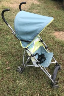 Umbrella stroller with canopy