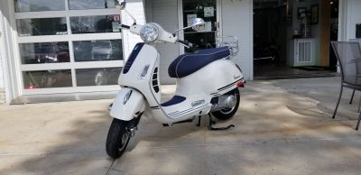 2019 Vespa GTS 300 Yacht Club Special edition Scooter Middleton, WI
