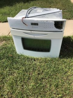White 30 built-in oven, works but glass front is shattered. FREE