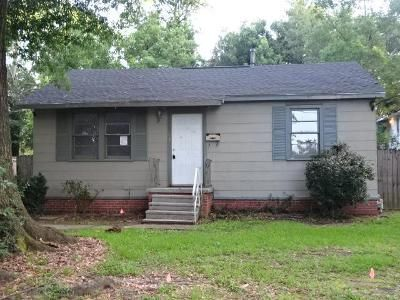 3 Bed 2 Bath Foreclosure Property in Baton Rouge, LA 70805 - Sycamore St