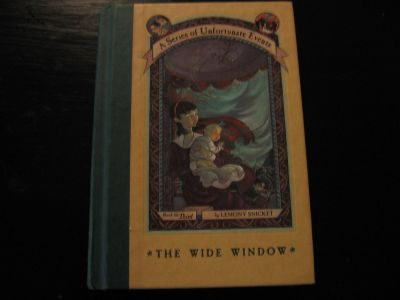 lemony snicket..3rd book the wide window