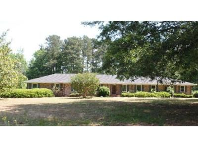 5 Bed 3 Bath Foreclosure Property in Cross Hill, SC 29332 - S Main St