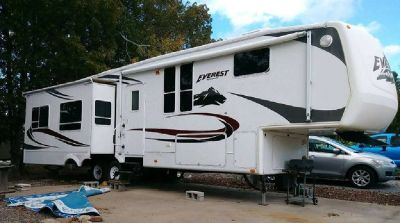 By Owner! 2007 Keystone Everest 38' fifth wheel w/4 slides