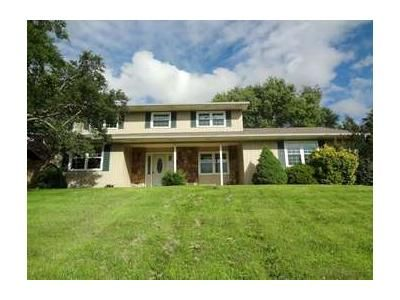 4 Bed 2.1 Bath Foreclosure Property in Kingsport, TN 37663 - Mcintosh Dr