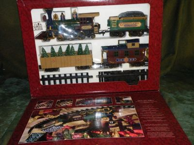 Greatland Express Train Set Steam Locomotive Freight Car Caboose G-Gauge Looks Great out at any time and around a tree