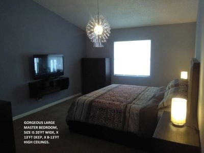 Room For Rent / Large Master Bedroom