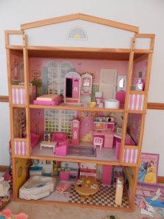 doll house comes with all the furnitures in it