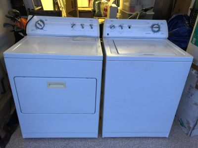 Whirlpool ultimate care II Washer Dryer Set
