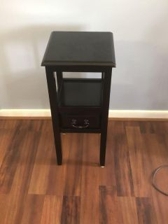 Black entry way one drawer stand