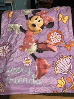 Minnie Mouse crib/toddler comforter, sheet set and pillow case