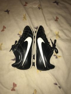 Nike baseball cleats youth size 3