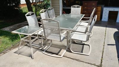 Glass Top Patio Set with 8 Chairs and Side Table. 78x40x28. Chair Height 41. Seat Height 16