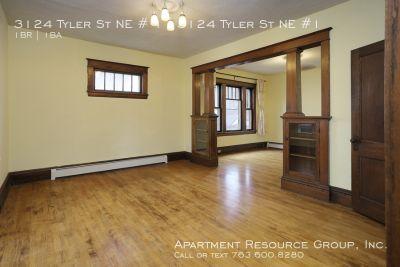 Craftsman 1+den/1ba Main Level Duplex for Rent!