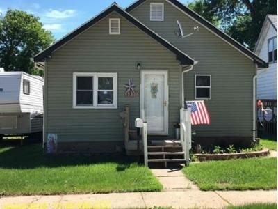 2 Bed 2 Bath Foreclosure Property in Minot, ND 58701 - Main St S