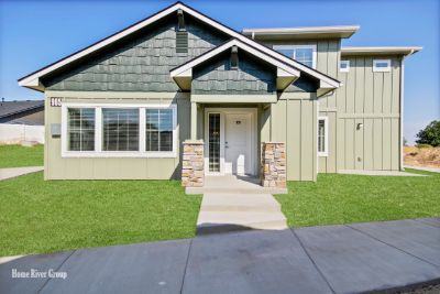 2 Bed 2 Bath Townhome in Kuna!