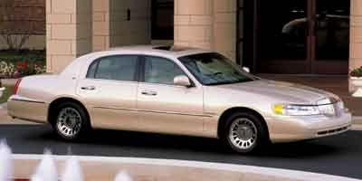 $4,195, Wow! A 2002 Lincoln Town Car with 82,921 Miles