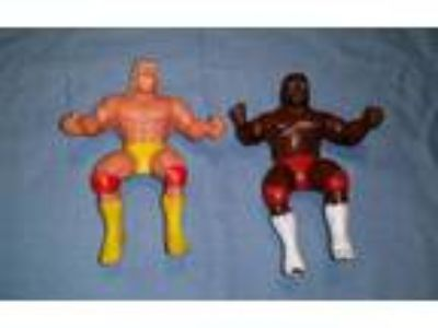 WWE/WWF LJN Hulk Hogan and Junkyard Dog Thumb Wrestlers