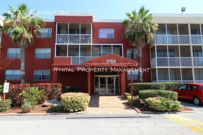 One Bedroom Condo in Gated Sarasota Palms!