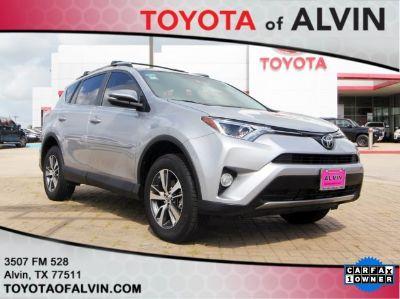 2017 Toyota RAV4 XLE (Silver Sky Metallic)