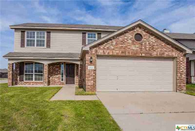 7826 Hawthorn Temple Three BR, Great family home located in a