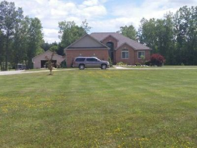St. Clair County, Michigan***Luxury Country Ranch on 3.5 Acres