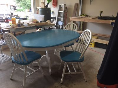 Table with 3 chairs