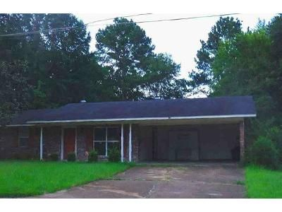 3 Bed 2 Bath Foreclosure Property in Jackson, MS 39211 - Winterview Dr