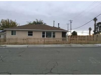 2 Bed 1.5 Bath Preforeclosure Property in Taft, CA 93268 - Loma Vista Ave