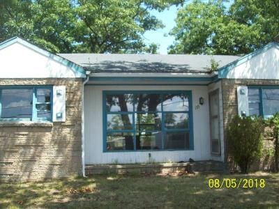 2 Bed 1 Bath Foreclosure Property in Attleboro, MA 02703 - Bacon St